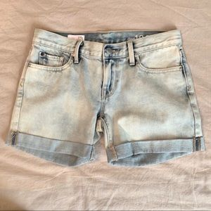 GAP Light Wash Sexy Boyfriend Jean Shorts Size 24P